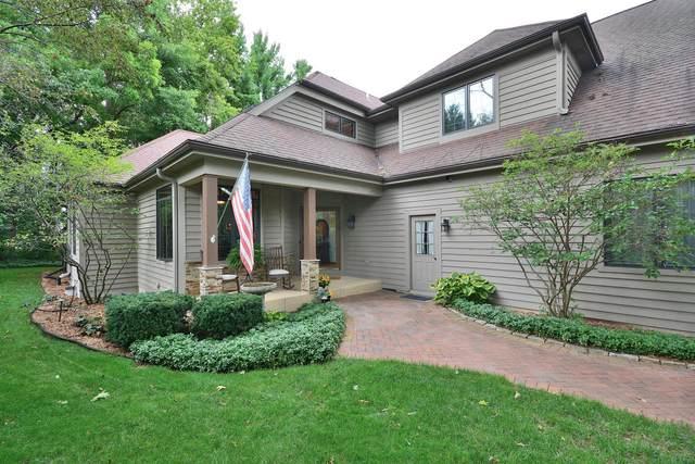 N49W16032 Lone Oak Ln, Menomonee Falls, WI 53051 (#1708212) :: NextHome Prime Real Estate