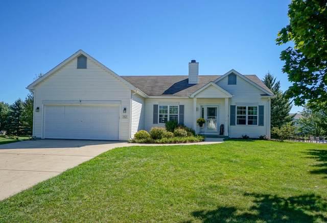 N7812 Maple Ridge Rd, Ixonia, WI 53066 (#1708246) :: Tom Didier Real Estate Team