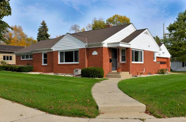 1037 Kentucky St, Racine, WI 53405 (#1708415) :: RE/MAX Service First Service First Pros