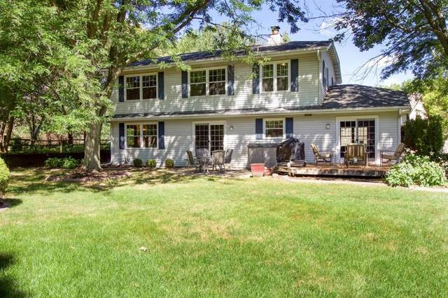 1205 Hawthorne Ridge Dr, Brookfield, WI 53045 (#1708610) :: RE/MAX Service First Service First Pros