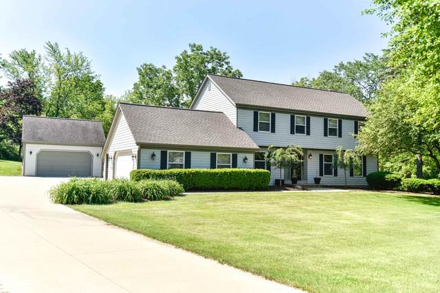 12050 N Maryhill Ct, Mequon, WI 53092 (#1708611) :: Tom Didier Real Estate Team