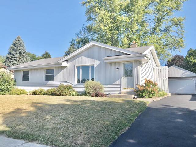 826 School Dr, Waukesha, WI 53189 (#1708792) :: RE/MAX Service First Service First Pros