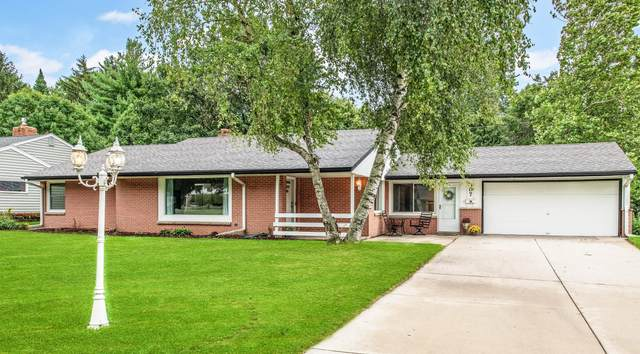 307 Grand Ave, Thiensville, WI 53092 (#1708816) :: Tom Didier Real Estate Team