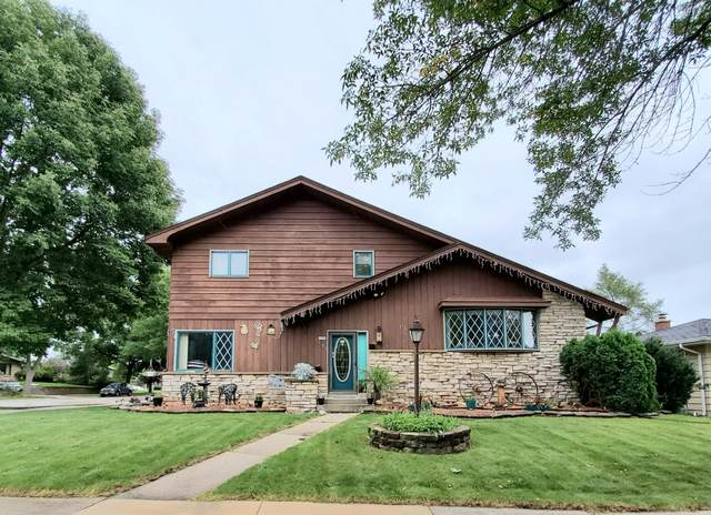 1703 S 25th St, Sheboygan, WI 53081 (#1709042) :: OneTrust Real Estate