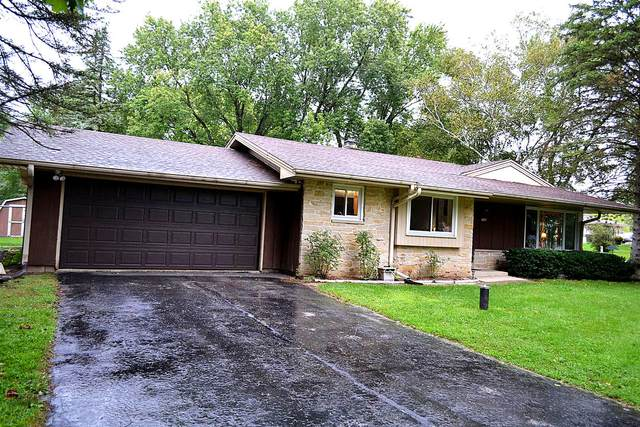 11636 W Sunnybrook Rd, Franklin, WI 53132 (#1709198) :: NextHome Prime Real Estate