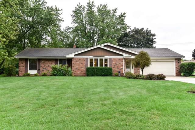 18725 Yorkshire Ln, Brookfield, WI 53045 (#1709287) :: NextHome Prime Real Estate