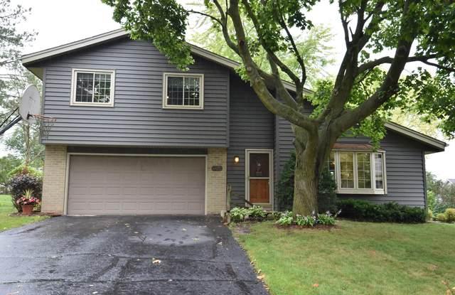 105 Cernan Ct, Mukwonago, WI 53149 (#1709457) :: NextHome Prime Real Estate