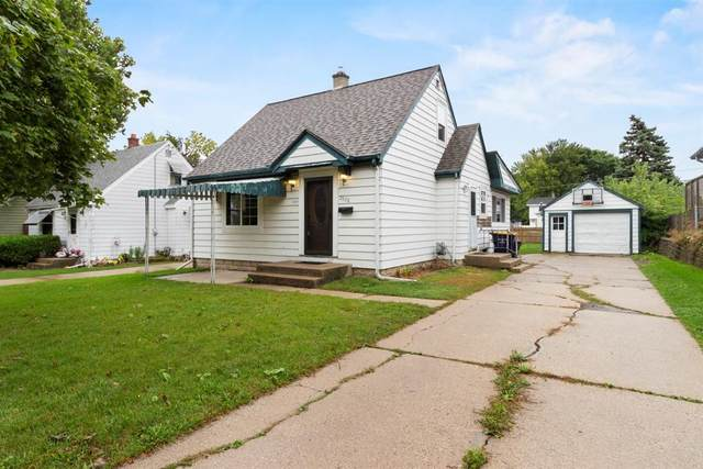 2928 S 91st St, West Allis, WI 53227 (#1709466) :: RE/MAX Service First Service First Pros