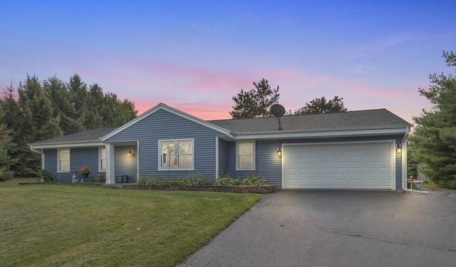 S79W30988 Romeo Ct, Mukwonago, WI 53149 (#1709803) :: RE/MAX Service First Service First Pros