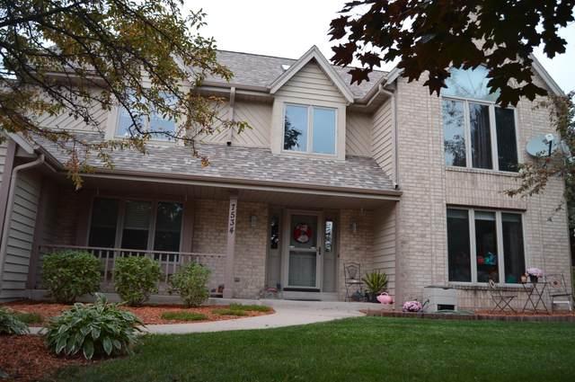 7534 W Pineberry Ridge, Franklin, WI 53132 (#1710030) :: NextHome Prime Real Estate