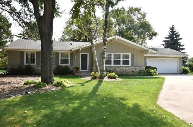 9081 W Bottsford Ave, Greenfield, WI 53228 (#1710362) :: RE/MAX Service First Service First Pros