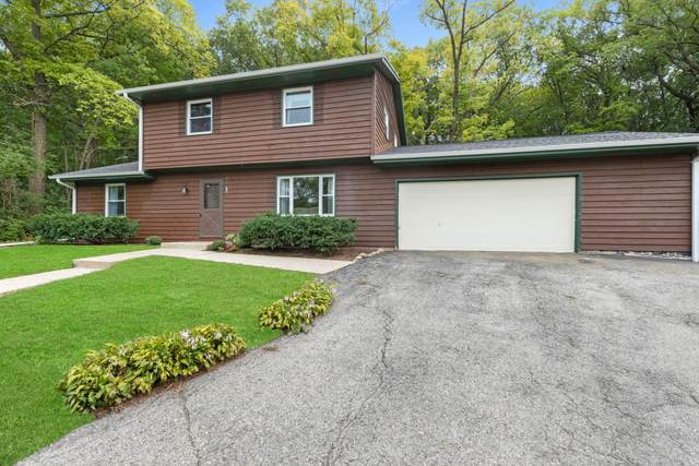 S72W30927 Kettle Ridge Dr, Mukwonago, WI 53149 (#1710465) :: OneTrust Real Estate