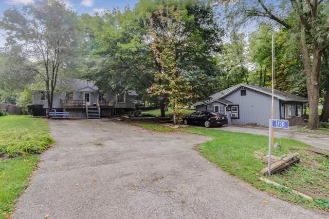 1710 E Lake Shore Dr, Twin Lakes, WI 53181 (#1710668) :: Tom Didier Real Estate Team
