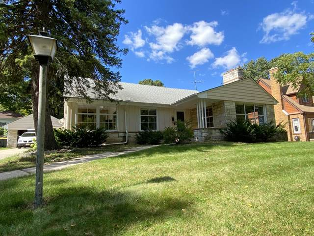 185 N 85th St., Wauwatosa, WI 53226 (#1710741) :: RE/MAX Service First Service First Pros