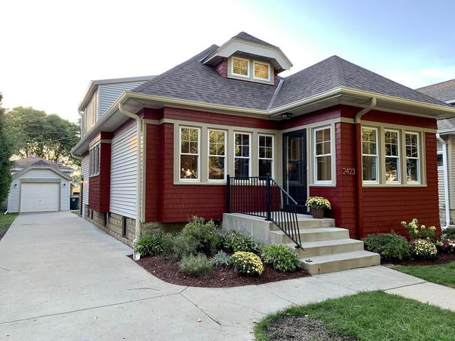 2423 N 68th Street, Wauwatosa, WI 53213 (#1710748) :: RE/MAX Service First Service First Pros