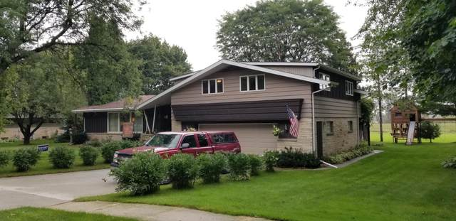 547 S. Liberty St., Valders, WI 54245 (#1710749) :: RE/MAX Service First Service First Pros