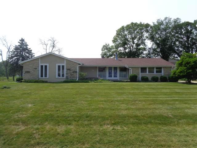 N50W15295 Honey Suckle Lane, Menomonee Falls, WI 53051 (#1710760) :: NextHome Prime Real Estate