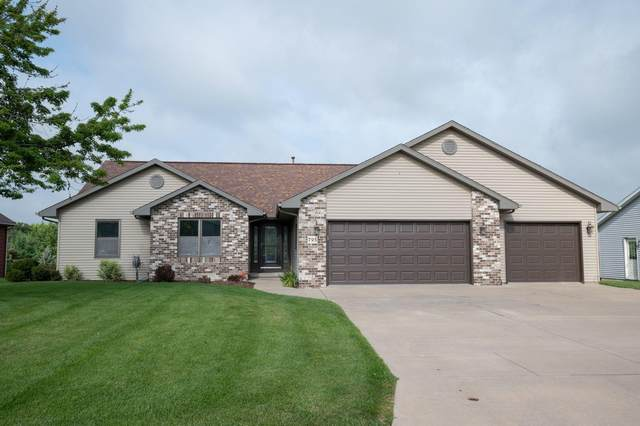 795 Emmer St, Mayville, WI 53050 (#1710861) :: OneTrust Real Estate