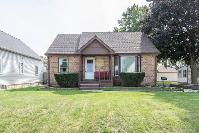 1633 Missouri Ave, South Milwaukee, WI 53172 (#1711388) :: RE/MAX Service First Service First Pros