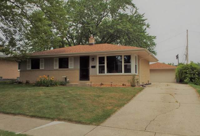 N84W15030 Menomonee Ave, Menomonee Falls, WI 53051 (#1711401) :: RE/MAX Service First Service First Pros