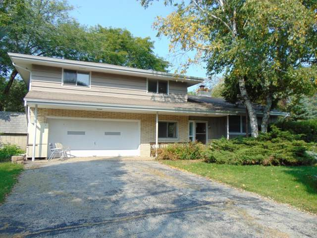 W267S3549 Hi View Ct, Waukesha, WI 53189 (#1711448) :: Tom Didier Real Estate Team