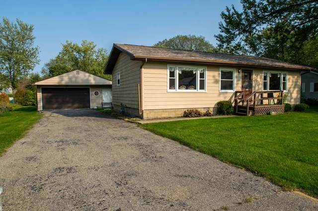 4234 Mulberry Ave, Delavan, WI 53115 (#1711557) :: RE/MAX Service First Service First Pros