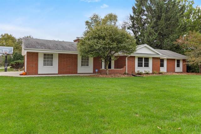 17125 W Mary Ross Dr, New Berlin, WI 53151 (#1711585) :: Tom Didier Real Estate Team