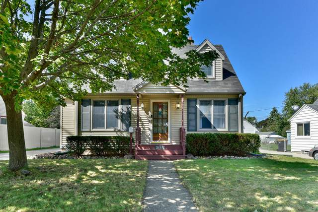 2887 S 85th St, West Allis, WI 53227 (#1711857) :: RE/MAX Service First Service First Pros