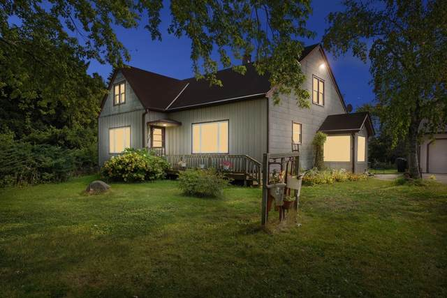3937 W Drexel Ave, Franklin, WI 53132 (#1711858) :: RE/MAX Service First Service First Pros