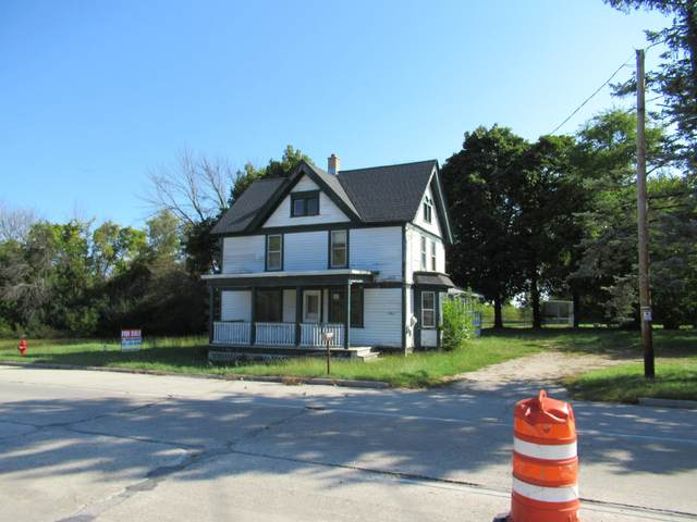 10442 N Wauwatosa, Mequon, WI 53097 (#1711865) :: RE/MAX Service First Service First Pros