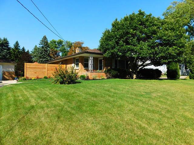 2342 W Goldcrest Ave, Milwaukee, WI 53221 (#1711878) :: NextHome Prime Real Estate