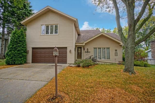 2721 Lancaster Dr, Waukesha, WI 53188 (#1712173) :: NextHome Prime Real Estate