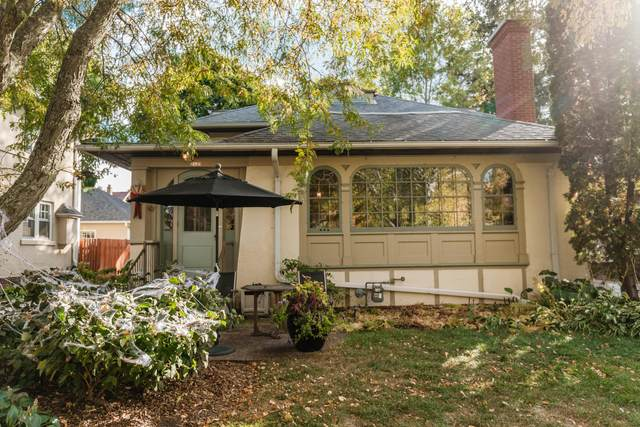 2423 E Shorewood Blvd, Shorewood, WI 53211 (#1712477) :: Tom Didier Real Estate Team