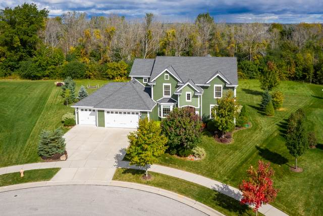 N78W8210 Topview Ct, Cedarburg, WI 53012 (#1712753) :: Tom Didier Real Estate Team