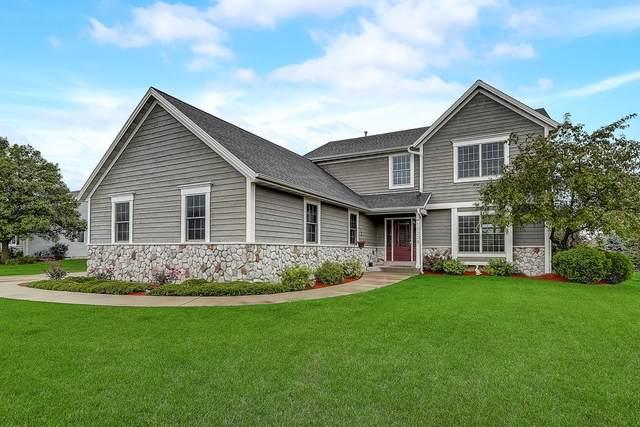 10208 S Settlers Way, Oak Creek, WI 53154 (#1712795) :: Tom Didier Real Estate Team