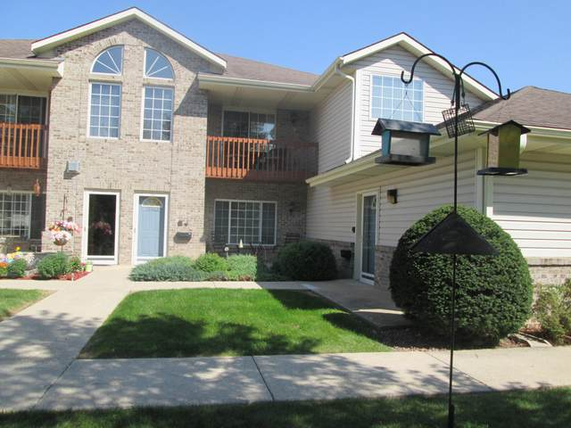 17664 W Lincoln  Ave #8, New Berlin, WI 53146 (#1712820) :: RE/MAX Service First Service First Pros