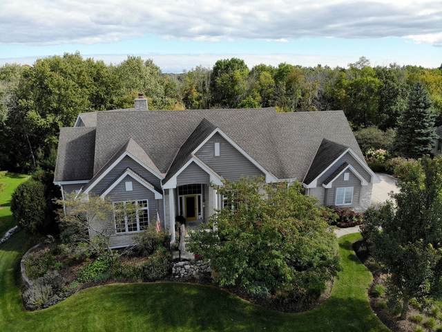8618 S River Terrace Dr, Franklin, WI 53132 (#1713237) :: RE/MAX Service First Service First Pros