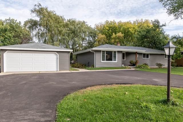 3178 S 146th St, New Berlin, WI 53151 (#1713456) :: Tom Didier Real Estate Team