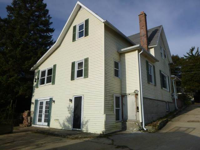 111 Fourth St, Waukesha, WI 53188 (#1713472) :: RE/MAX Service First