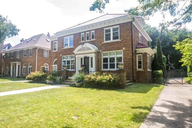 4079 N Lake Dr, Shorewood, WI 53211 (#1713696) :: Tom Didier Real Estate Team