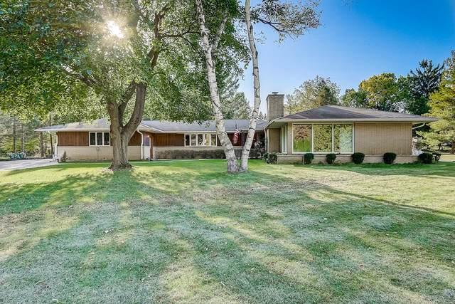 3405 Arroyo Rd, Brookfield, WI 53045 (#1713899) :: Tom Didier Real Estate Team