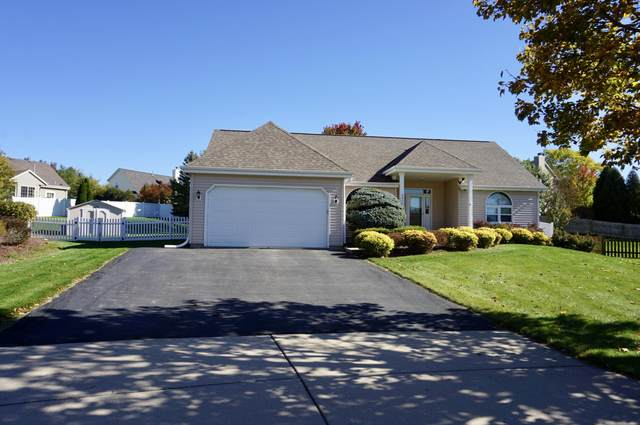 6820 S Conforti Ct, Franklin, WI 53132 (#1713921) :: Tom Didier Real Estate Team