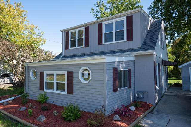 816 S Main St, Saukville, WI 53080 (#1713975) :: Tom Didier Real Estate Team
