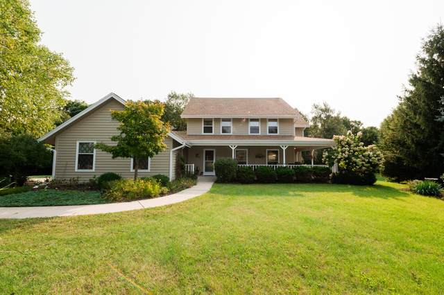 108 N Valleywood Ct, Summit, WI 53066 (#1714014) :: RE/MAX Service First