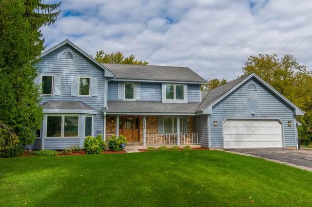 8688 N Point Dr, Fox Point, WI 53217 (#1714060) :: Tom Didier Real Estate Team