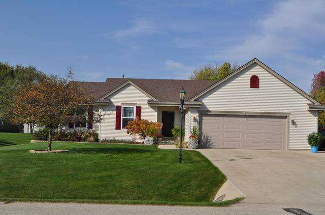 313 Pleasant St, Eagle, WI 53119 (#1714110) :: RE/MAX Service First