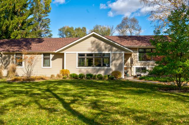 3310 W River Dr, Mequon, WI 53097 (#1714246) :: Tom Didier Real Estate Team