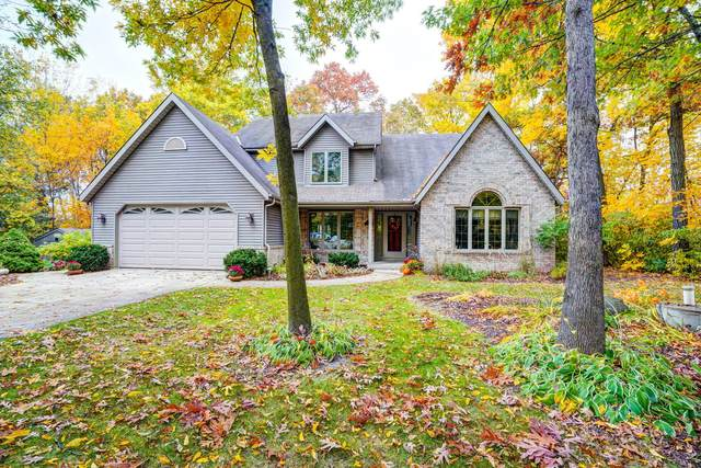 27012 Sherwood Forest Dr, Dover, WI 53185 (#1714330) :: RE/MAX Service First Service First Pros
