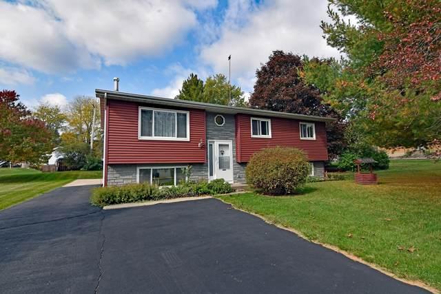 9020 269th Ave, Salem Lakes, WI 53168 (#1714414) :: Tom Didier Real Estate Team