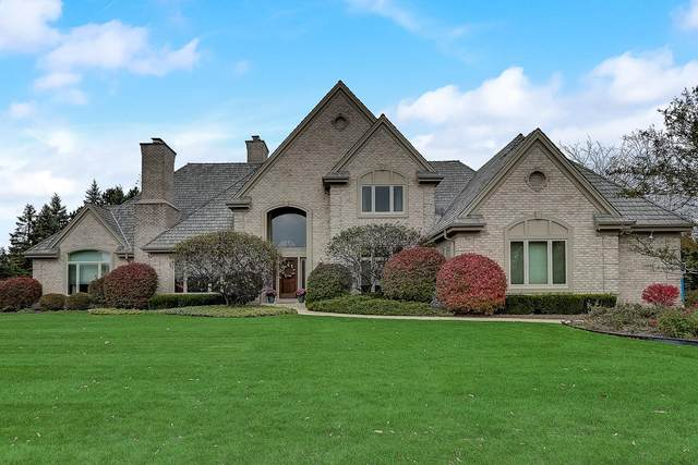 10610 N Wood Crest Ct, Mequon, WI 53092 (#1714454) :: Tom Didier Real Estate Team